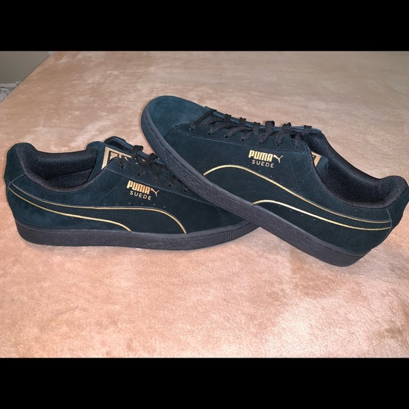 best sneakers fac77 dc088 PUMA Suede Classic - Black & Gold [never worn]